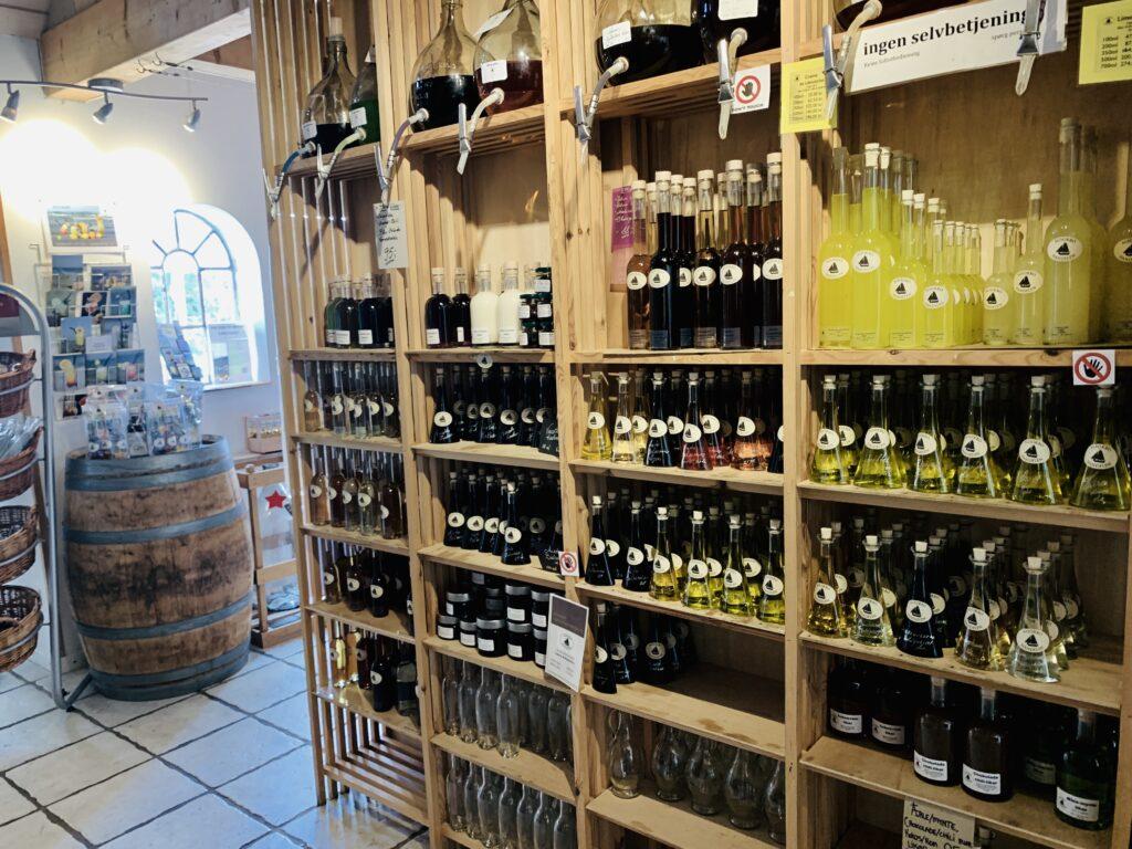 Spiritus og vinbutikken i Nyord, med alverdens lokale bryg