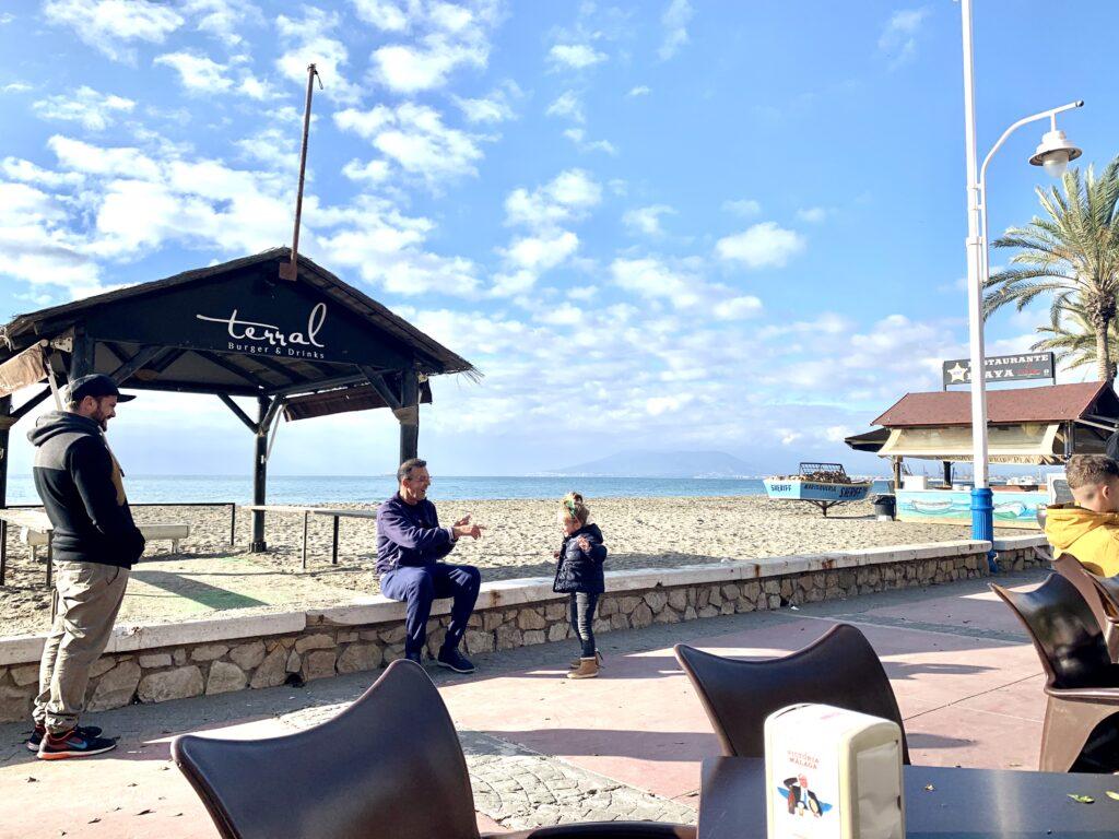 Kaffepause cykeltur fra Malaga langs Costa del Sol